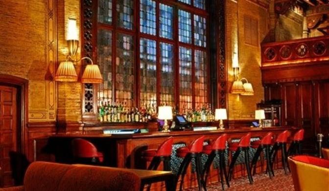 The campbell apartment disfruta de un cocktail en los for Tomar algo en barcelona noche